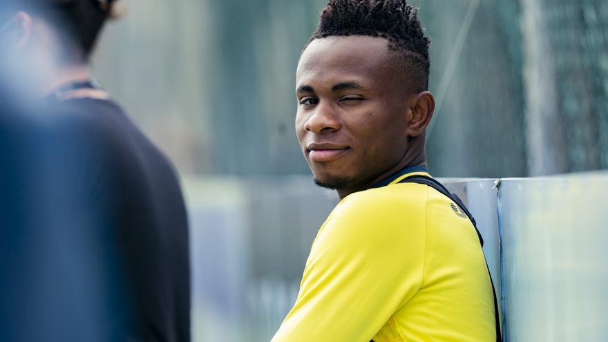Chukwueze pasa por el quirófano, estos son los plazos para su regreso con el Villarreal