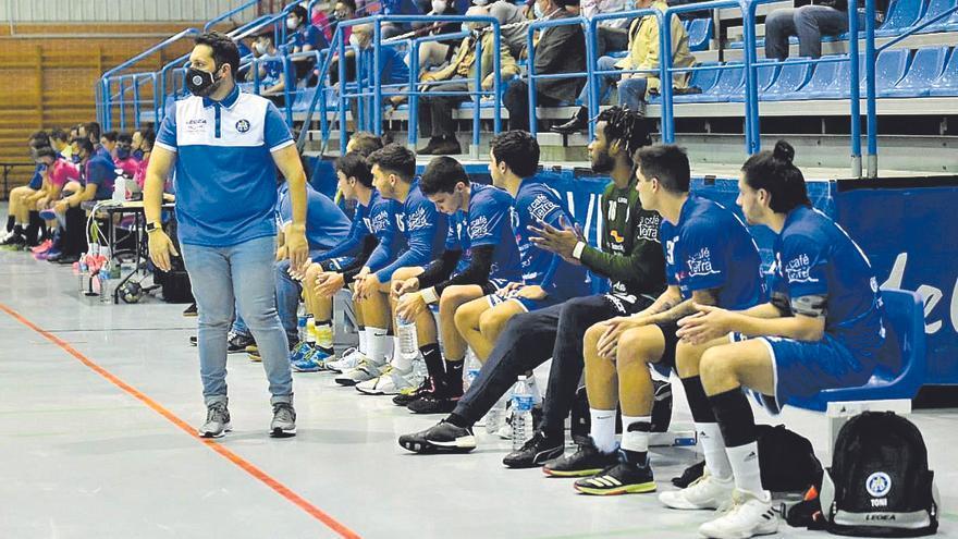 """Las cuarentenas por covid, una pesadilla para el balonmano asturiano: """"Cuesta coger el ritmo"""""""