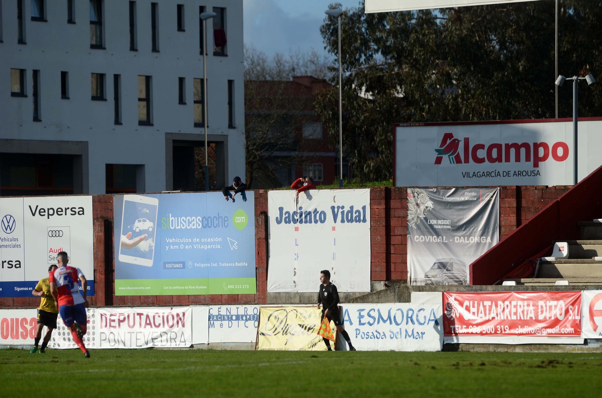 El Arosa se aprovecha de los errores de la UD Ourense