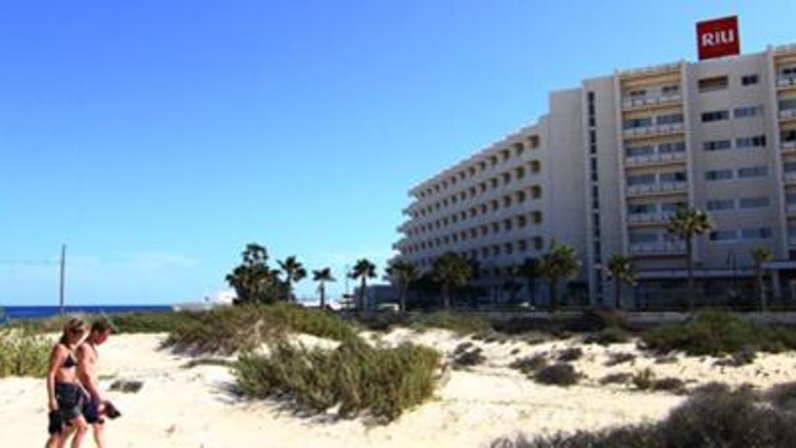 La investigación de las licencias del Oliva Beach por Europa satisface a RIU