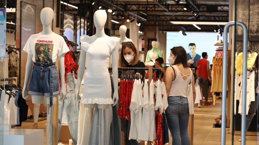 La confianza de los consumidores supera el nivel previo a la pandemia
