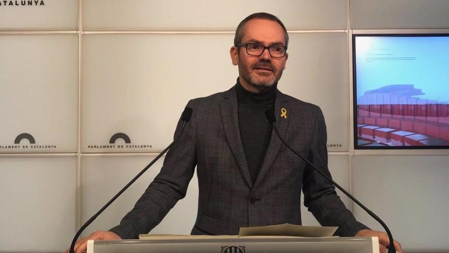 """ERC pide la dimisión de Josep Costa por """"blanquear la extrema derecha"""""""