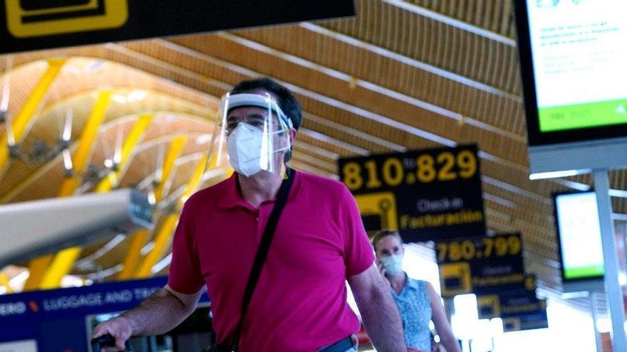 Espanya ja exigeix una PCR negativa a viatgers de fins a 65 països
