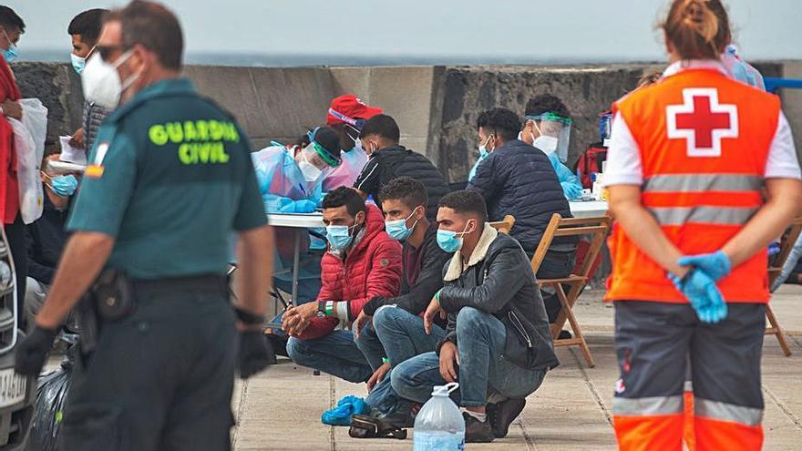 Llegan dos barcas con más de medio centenar de migrantes a Lanzarote y Fuerteventura