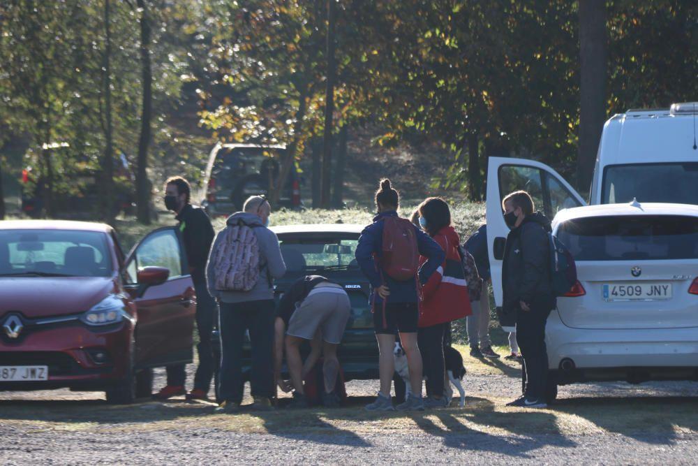 Els aparcaments de la Zona Volcànica de la Garrotxa arriben al límit d''aforament i es comença a regular l''accés