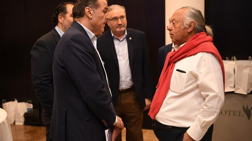 Fernando Vidal presenta su candidatura a la presidencia del RCDeportivo