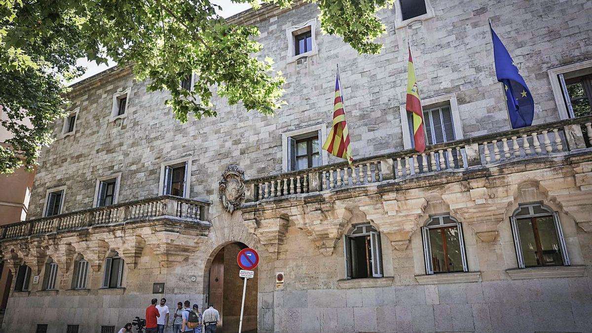 Audiencia Provincial de Palma donde se juzgará hoy a la pareja por estafa.