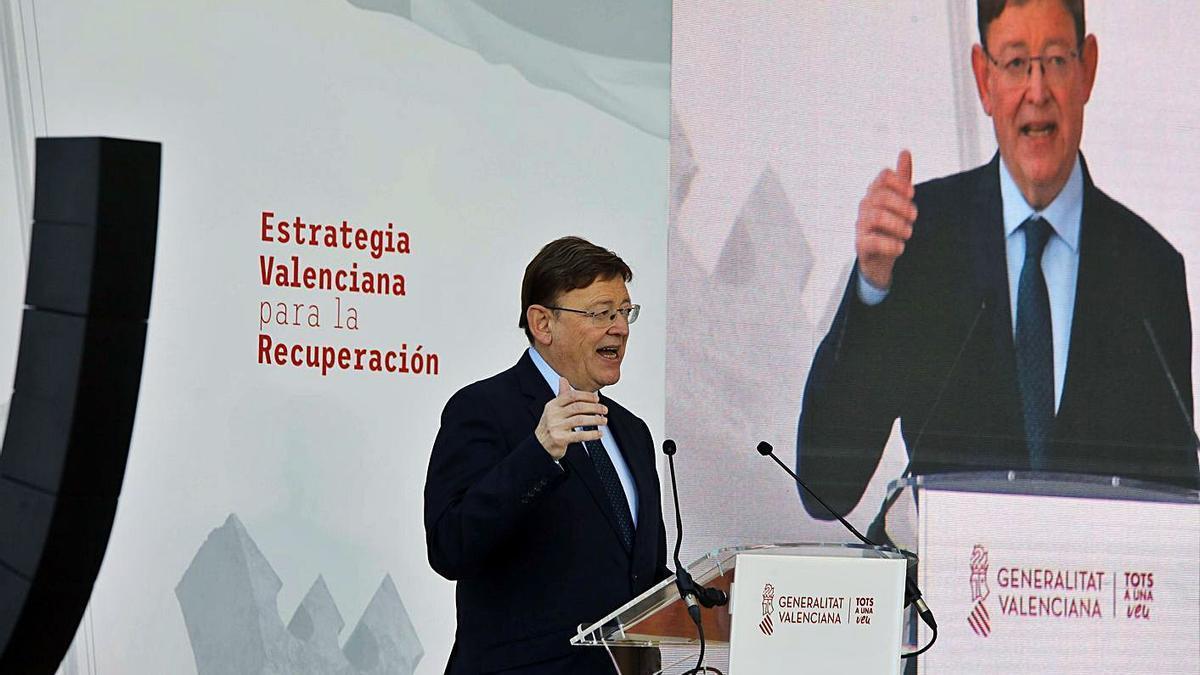 El president de la Generalitat, Ximo Puig, en la presentación de ayer en la Ciutat de les Arts.  | M.Á. MONTESINOS