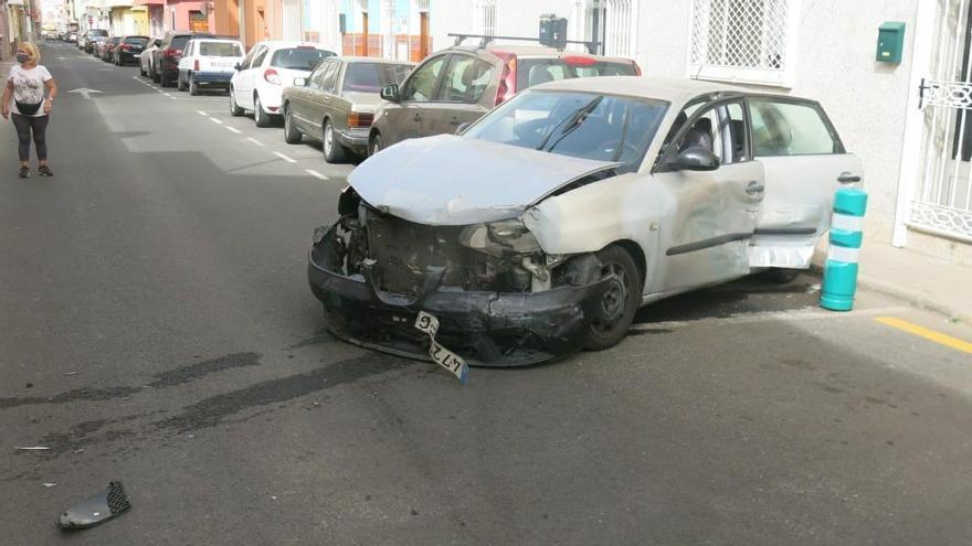 Coche implicado en una colisión con fuga en Vecindario