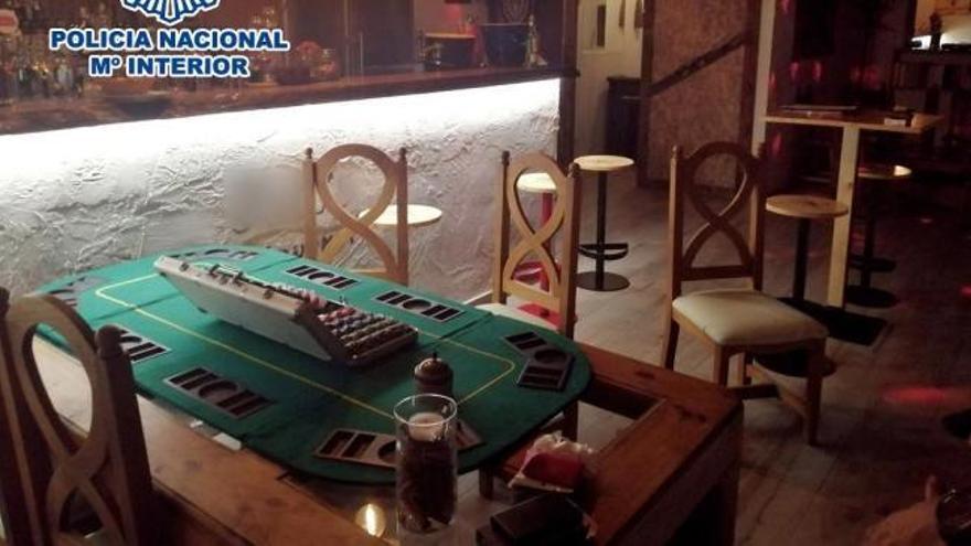 Descubren en Alicante una trastienda donde se celebraban timbas multitudinarias de póker