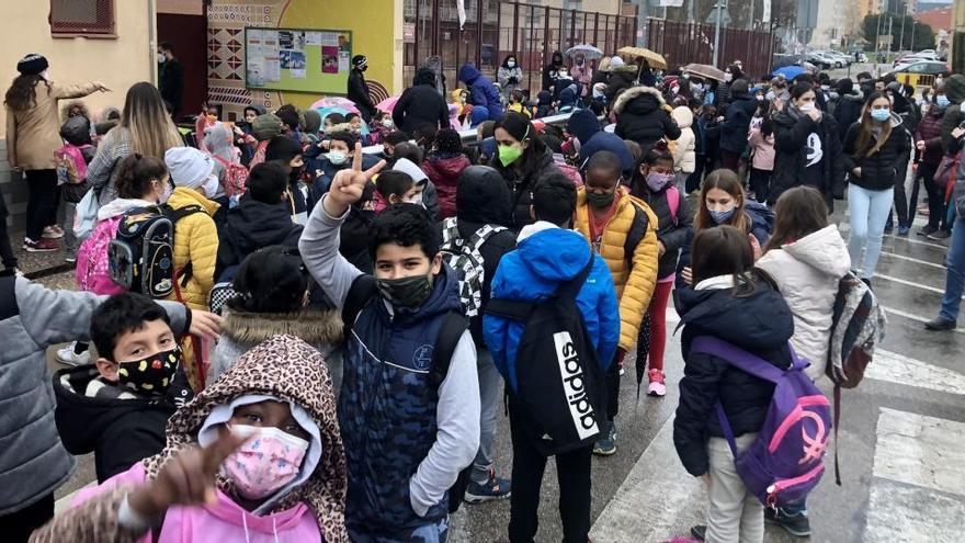 Tall de trànsit a Sant Narcís per reclamar un entorn segur i saludable