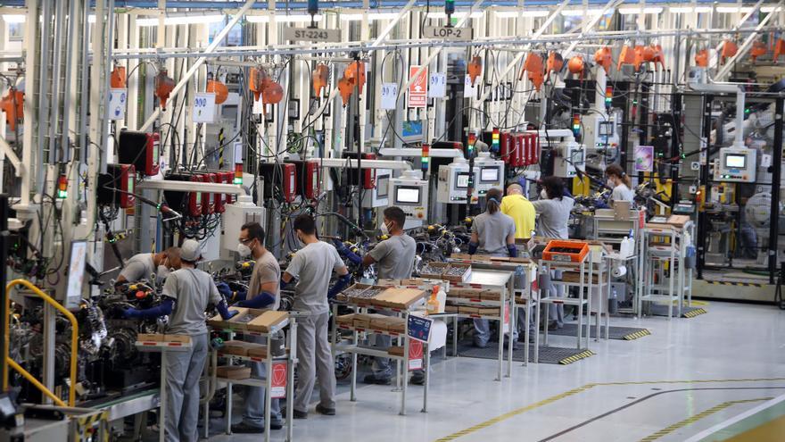 Renault complementará hasta el 85% del salario durante el ERTE y se generarán íntegramente las pagas extras y las vacaciones