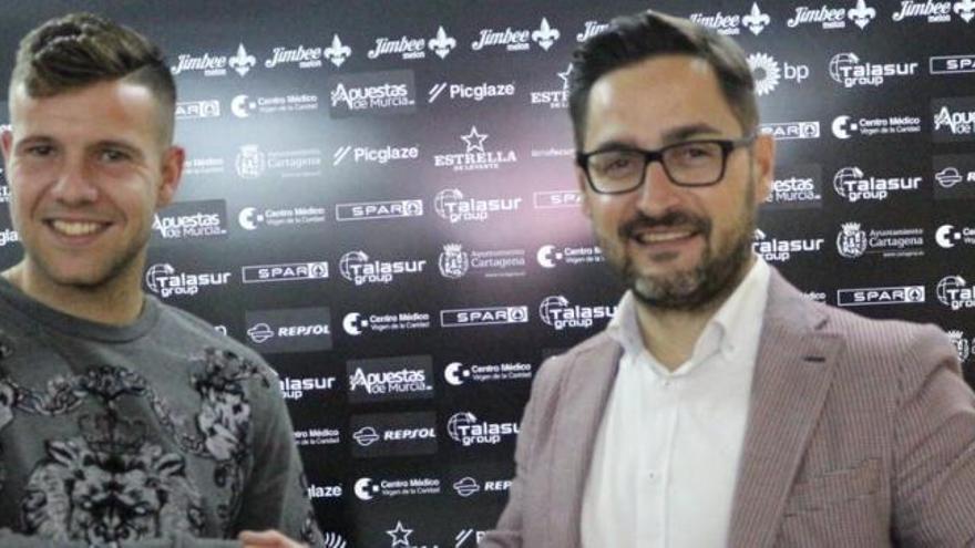 """Aitor Ruibal: """"Voy a intentar darle al Cartagena la verticalidad que le falta"""""""