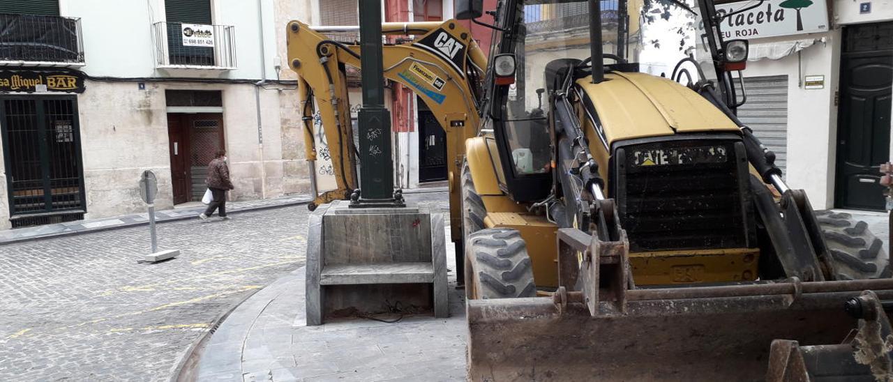 La maquinaria ya está dispuesta para la reforma de la calle Sant Francesc