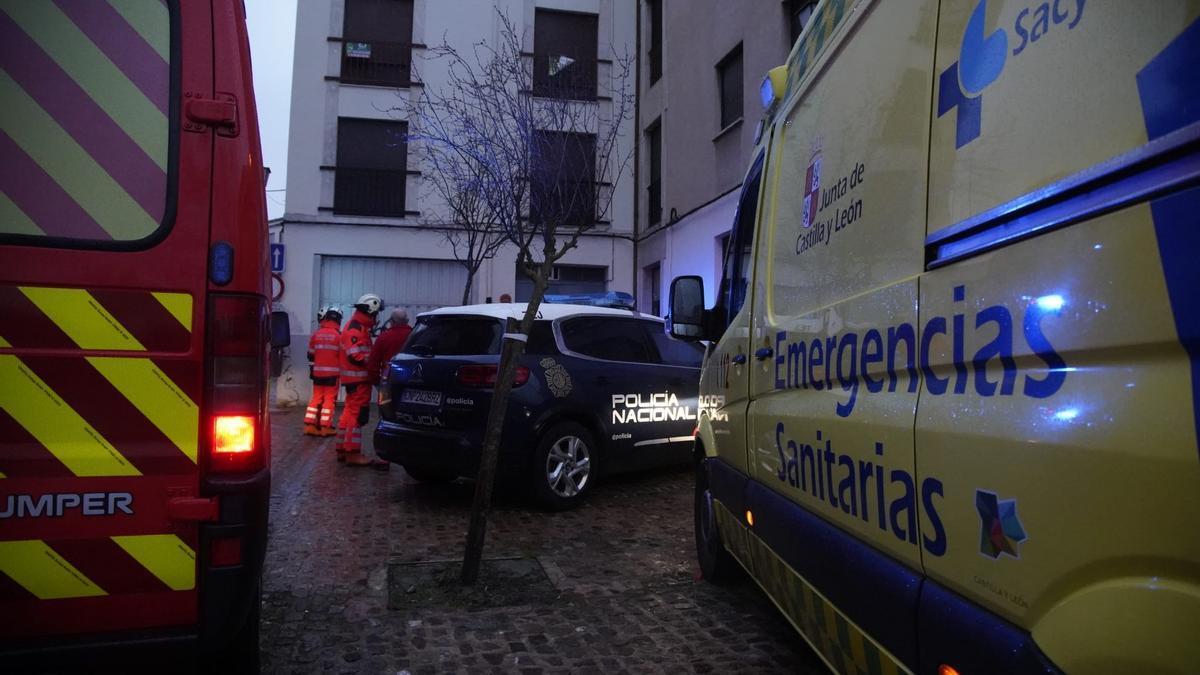 Despliegue de Policía, Bomberos y ambulancia en la calle Misericordia