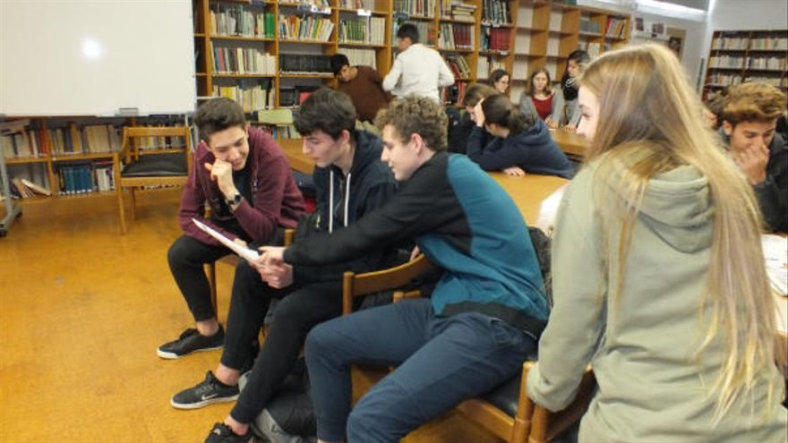 'La premsa a les escoles' engega avui la desena edició a les comarques de Girona
