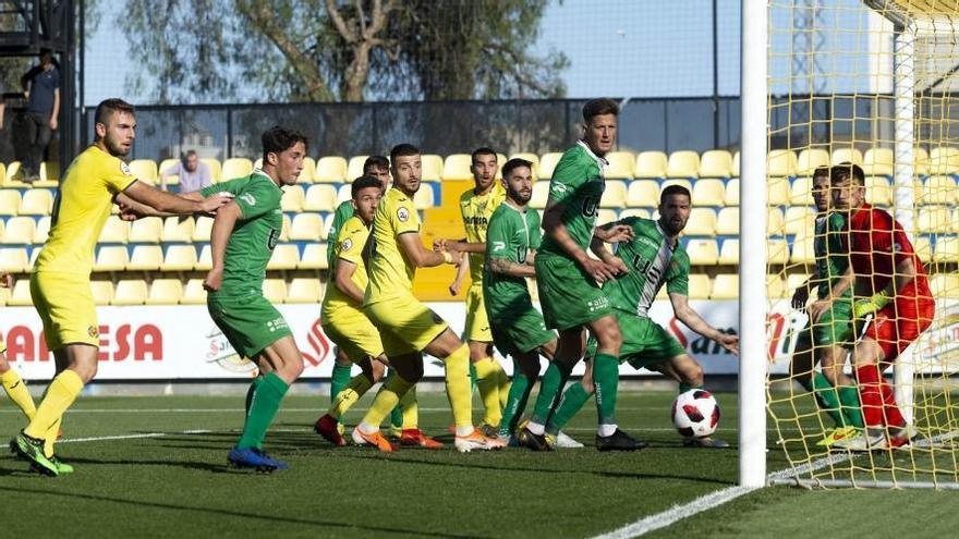 El Villarreal B no puede romper el muro defensivo del Cornellà