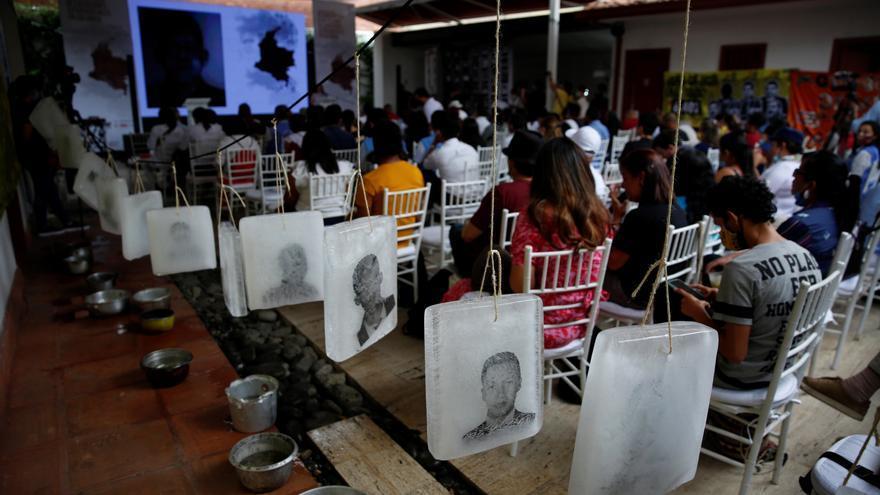 "Un exmilitar relata que su ""batallón mató a civiles para salir de permiso"" en Colombia"