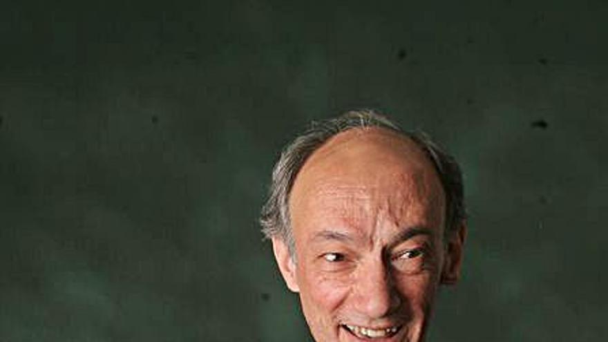 El guitarrista Roberto Aussel rinde homenaje a Astor Piazzolla en el ADDA