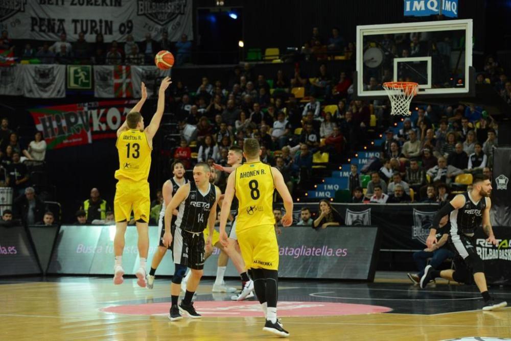 Victoria del Oviedo Baloncesto en Bilbao (72-81)