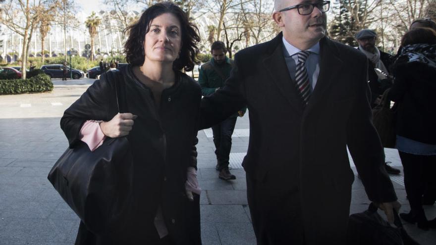 """Beatriz Simón: """"Me acusan por dar 1.000 euros al partido y no me los han devuelto"""""""