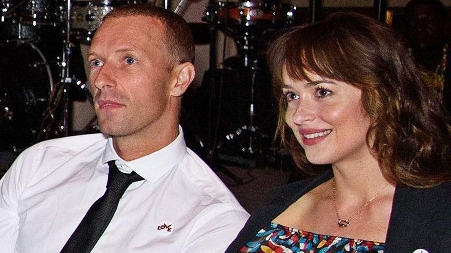 Chris Martin y Dakota Johnson, vacaciones en la costa de Mallorca a bordo de una lancha