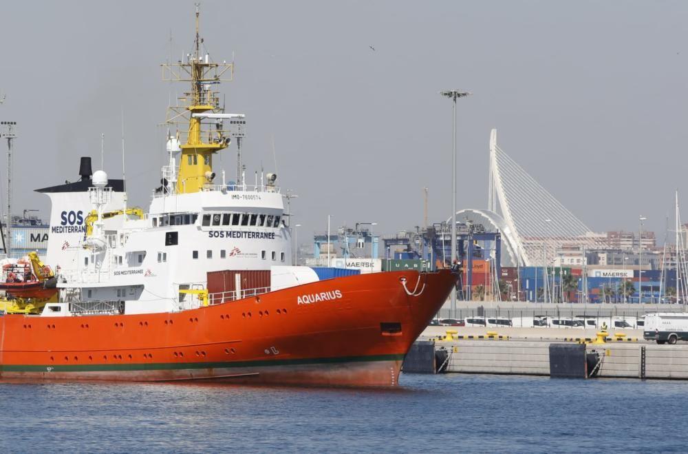 El barco Aquarius en el Puerto de València