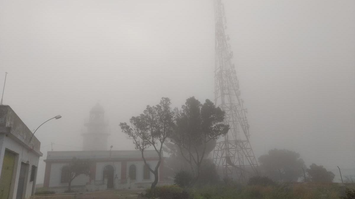 La niebla se traga el cabo de Sant Antoni de Xàbia