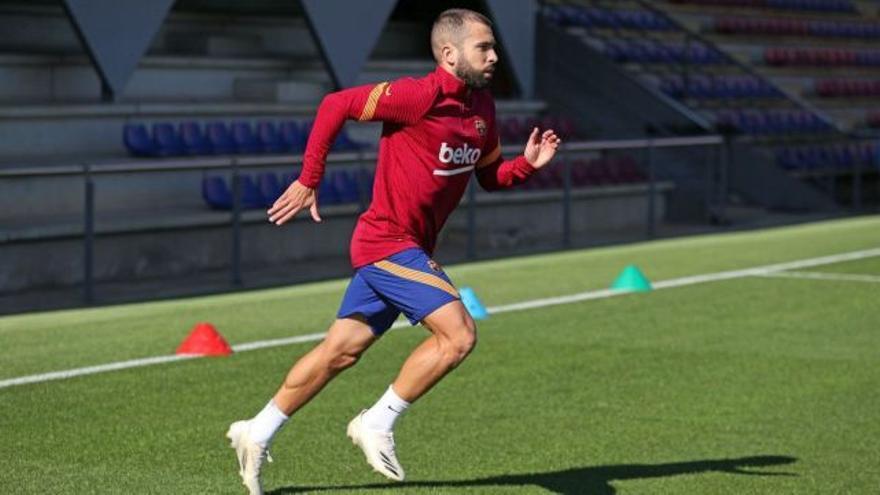 Koeman coge un 'globo' con Jordi Alba