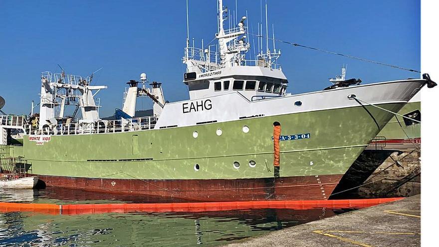 """La flota gallega escapa a África: estos son los cinco buques """"perdidos"""" este año"""