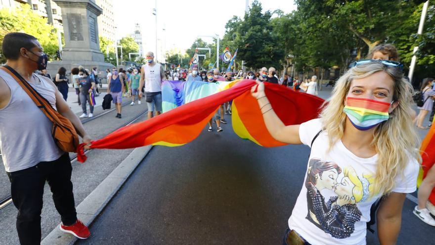 Fotogalería del Día del Orgullo LGBTI en Zaragoza