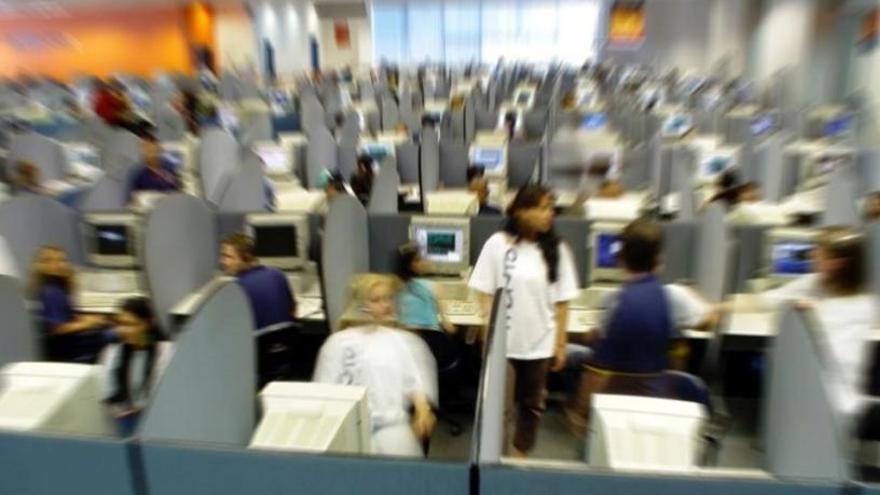 Sin medidas de prevención al otro lado del teléfono: inquietud en los call centers
