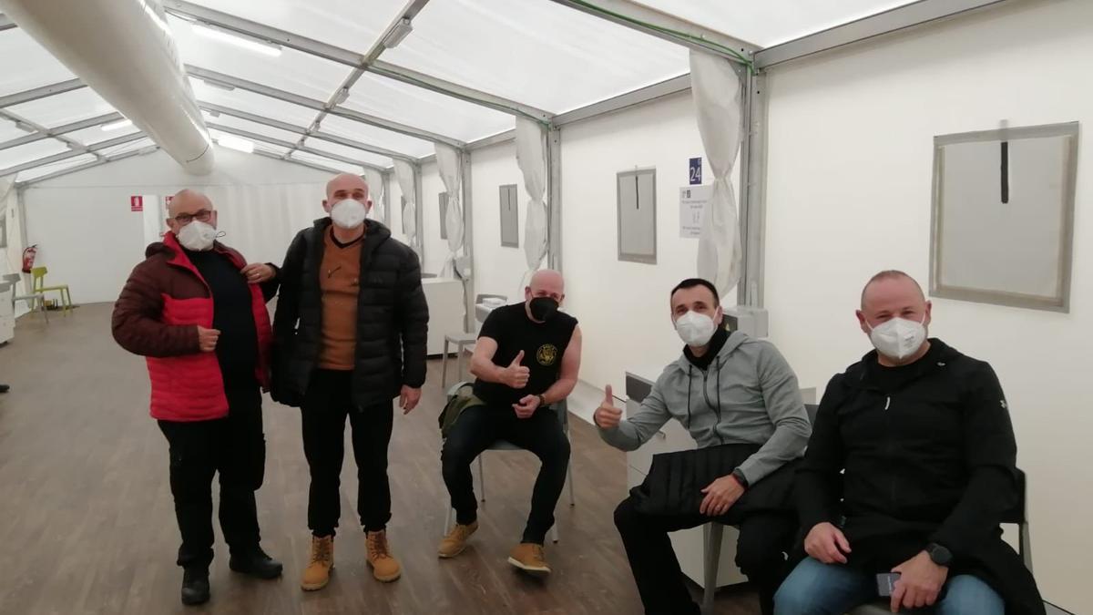 La Policía local de Sagunt tras ser vacunada