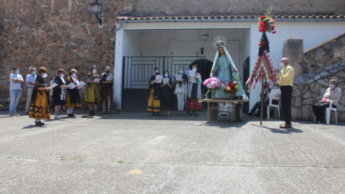 Celebración del Ramo en Pueblica de Valverde. / E. P.