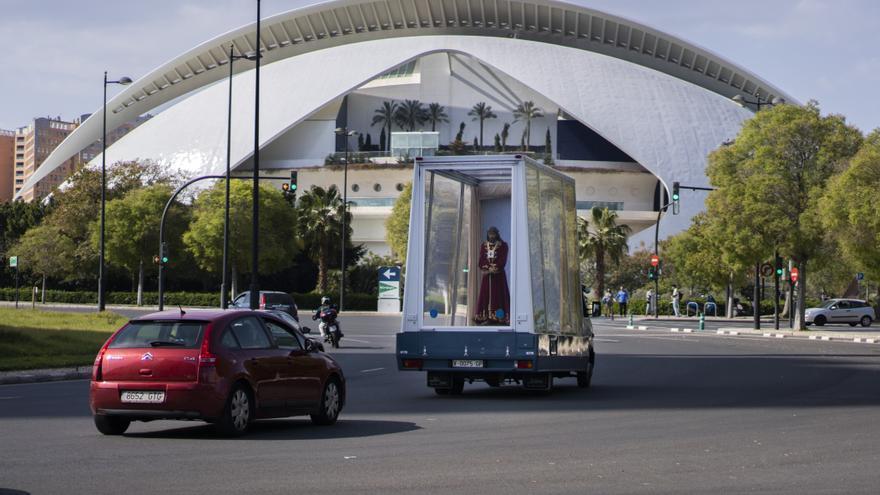 El Cristo de Medinaceli recorre València con el Maremovil