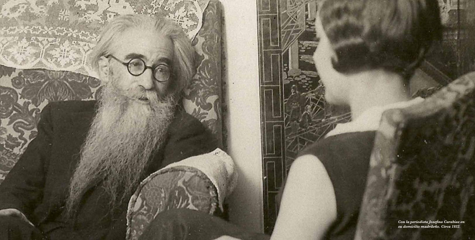 valle y la periodista josefina carabias 1932.jpg