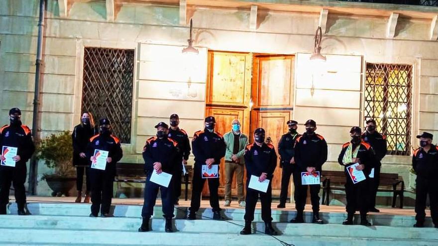El Ayuntamiento homenajea a los miembros de Protección Civil de Monóvar