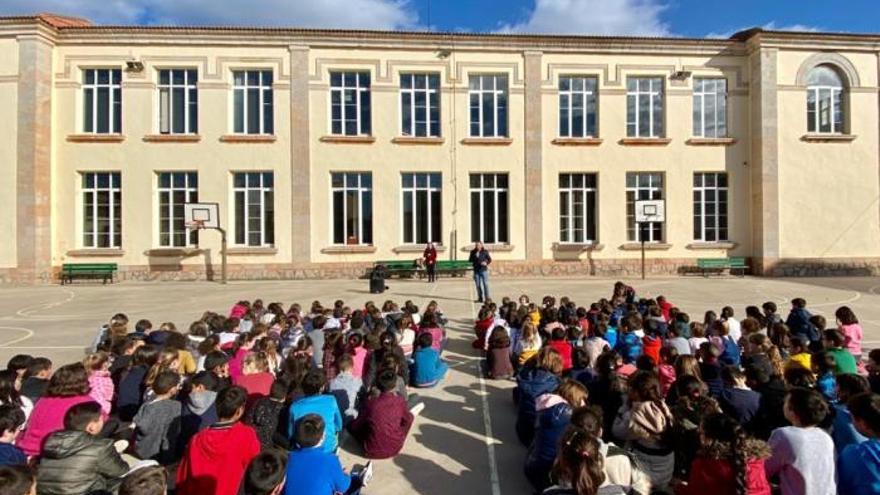 Educación propone que el próximo curso empiece el 8 de septiembre