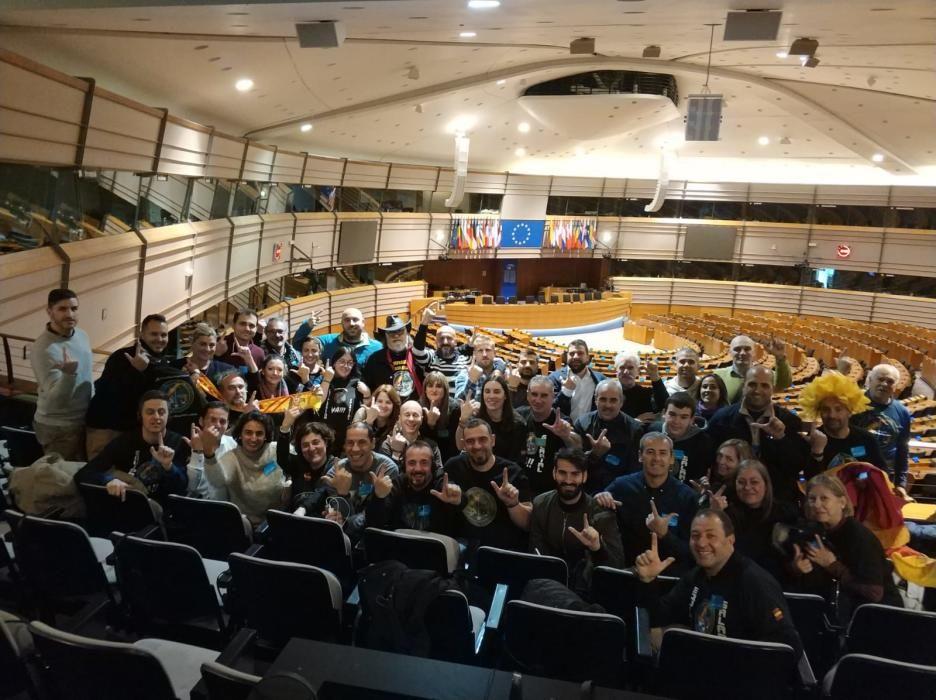 Los miembros de Jusapol en el Parlamento Europeo.