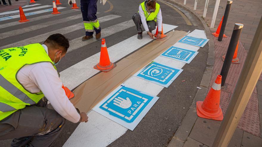 Pictogramas inclusivos en los pasos de peatones de Mislata