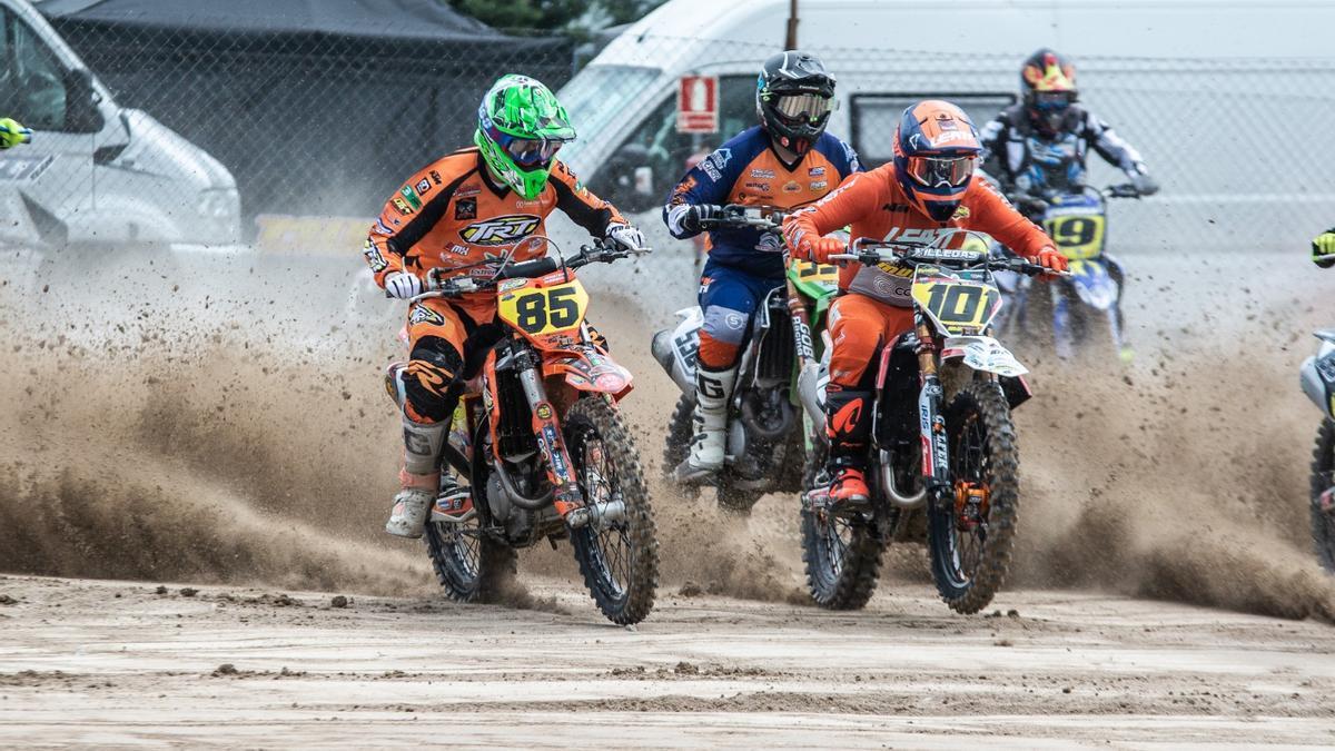 Una de las carreras del pasado domingo en Malpartida.