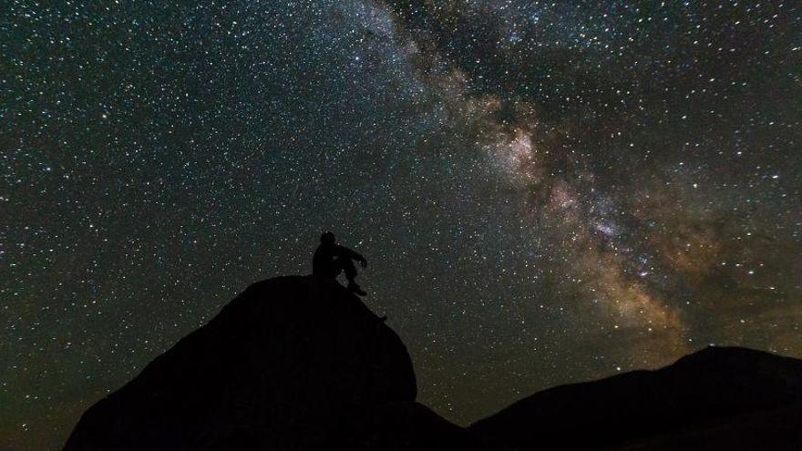 Las espectaculares imágenes nocturnas de la provincia de Alicante tomadas desde el cielo