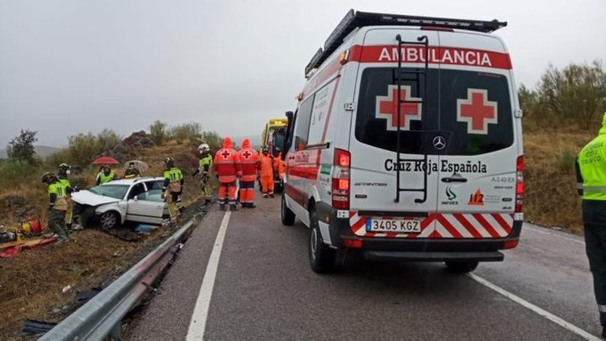 Cuatro heridos en una colisión entre dos vehículos en Hornachos