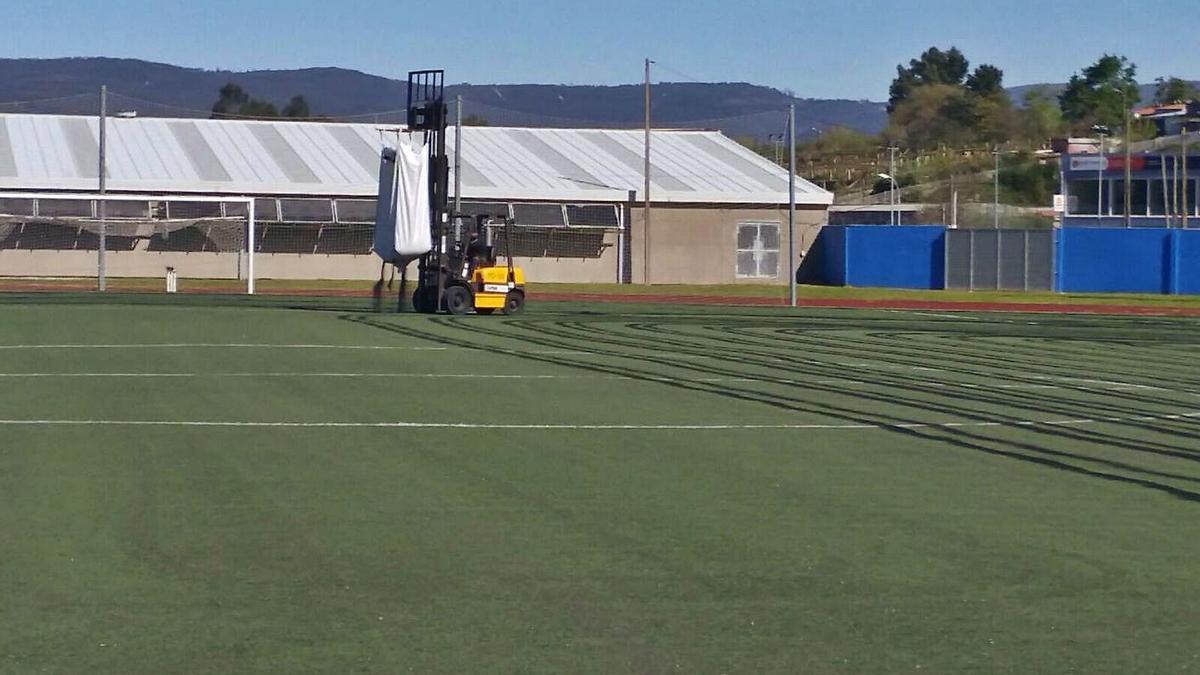 Terreno de juego del campo de fútbol de San Pedro.