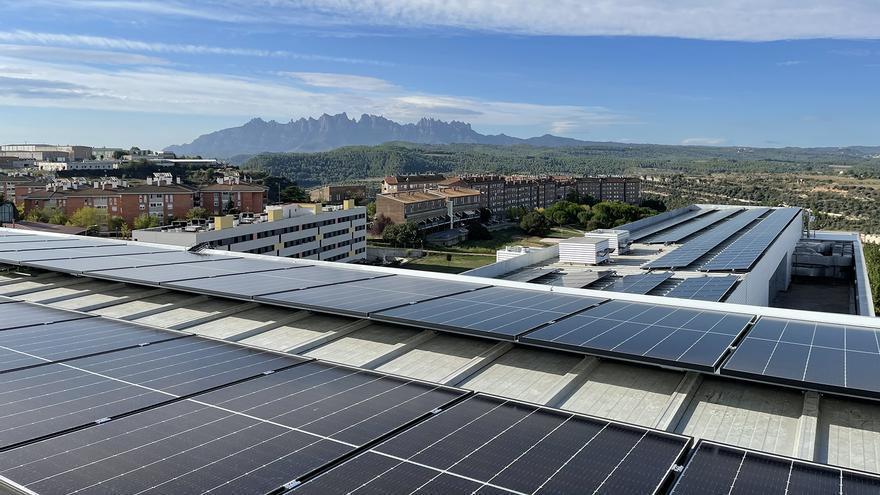 Althaia instal·la 726 plaques fotovoltaiques a tres dels seus edificis