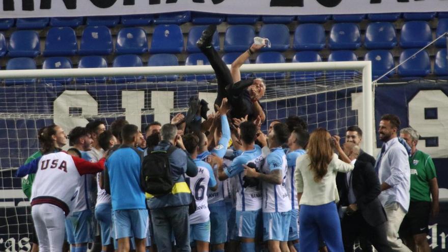Pellicer se despide de su plantilla tras la victoria ante el Castellón