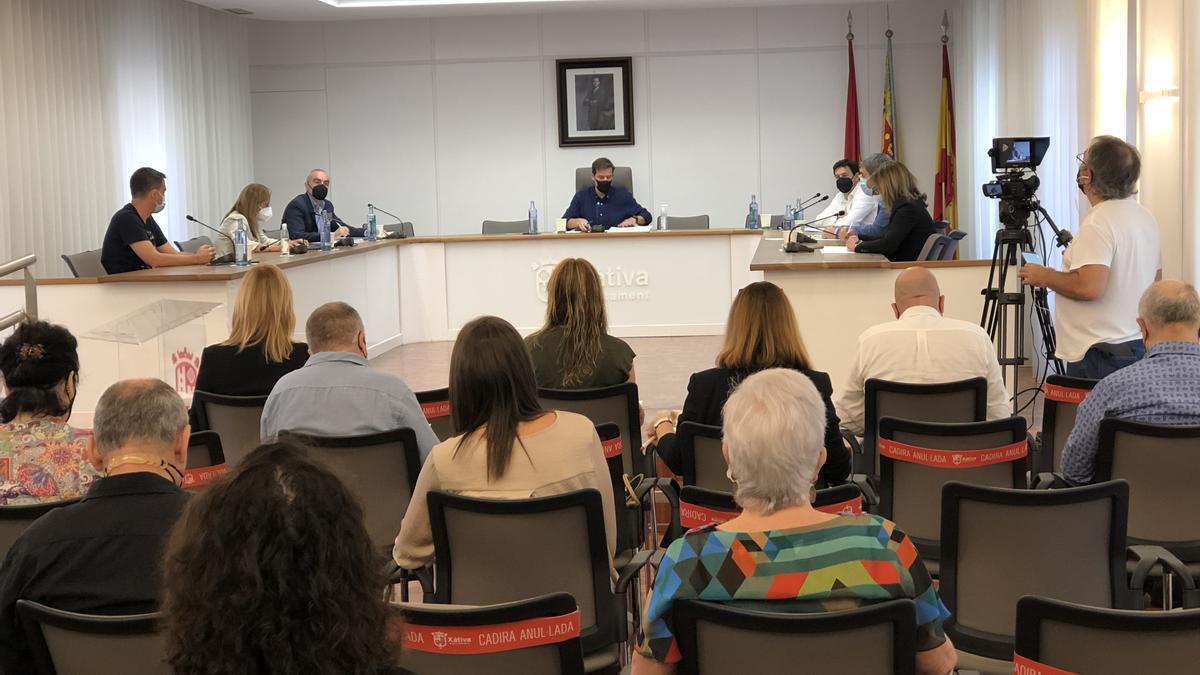 Imagen del último pleno municipal del Ayuntamiento de Xàtiva.