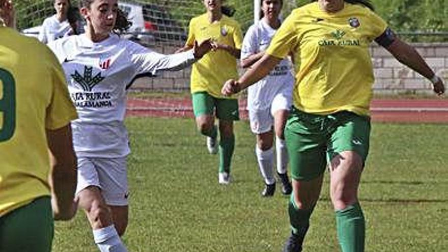 El Caja Rural salva con victoria un mal partido ante el Santa Marta