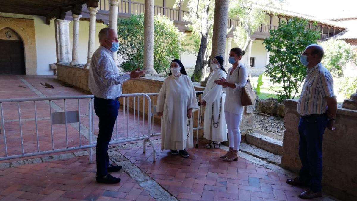 Visita de Clara San Damián al convento Sancti Spiritus de Toro.
