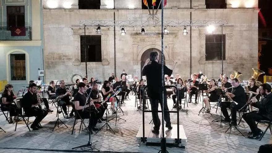 La crisis interna desmantela la banda sinfónica de la Societat Musical d'Alzira